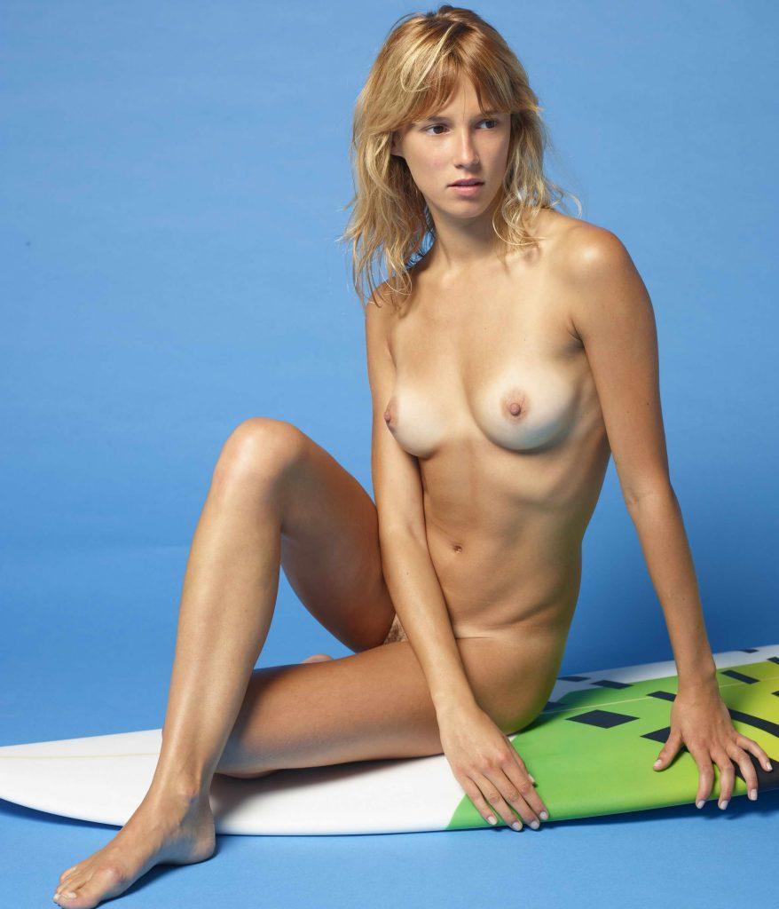 Sexy Sporty Girl - XLondonEscorts
